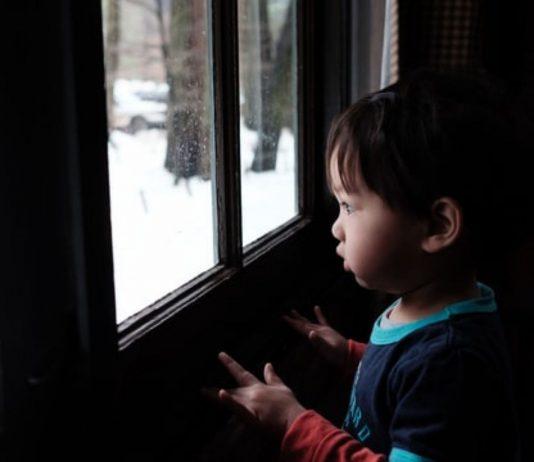 Ein Paar aus Schweden bereute offenbar die Adoption eines Kindes und brachte es ins Waisenhaus zurück.