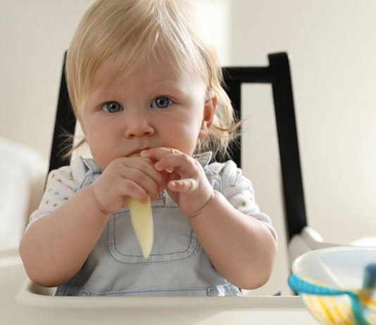 Auf dem Speiseplan fürs Baby sollte Spargel nicht zu früh landen.