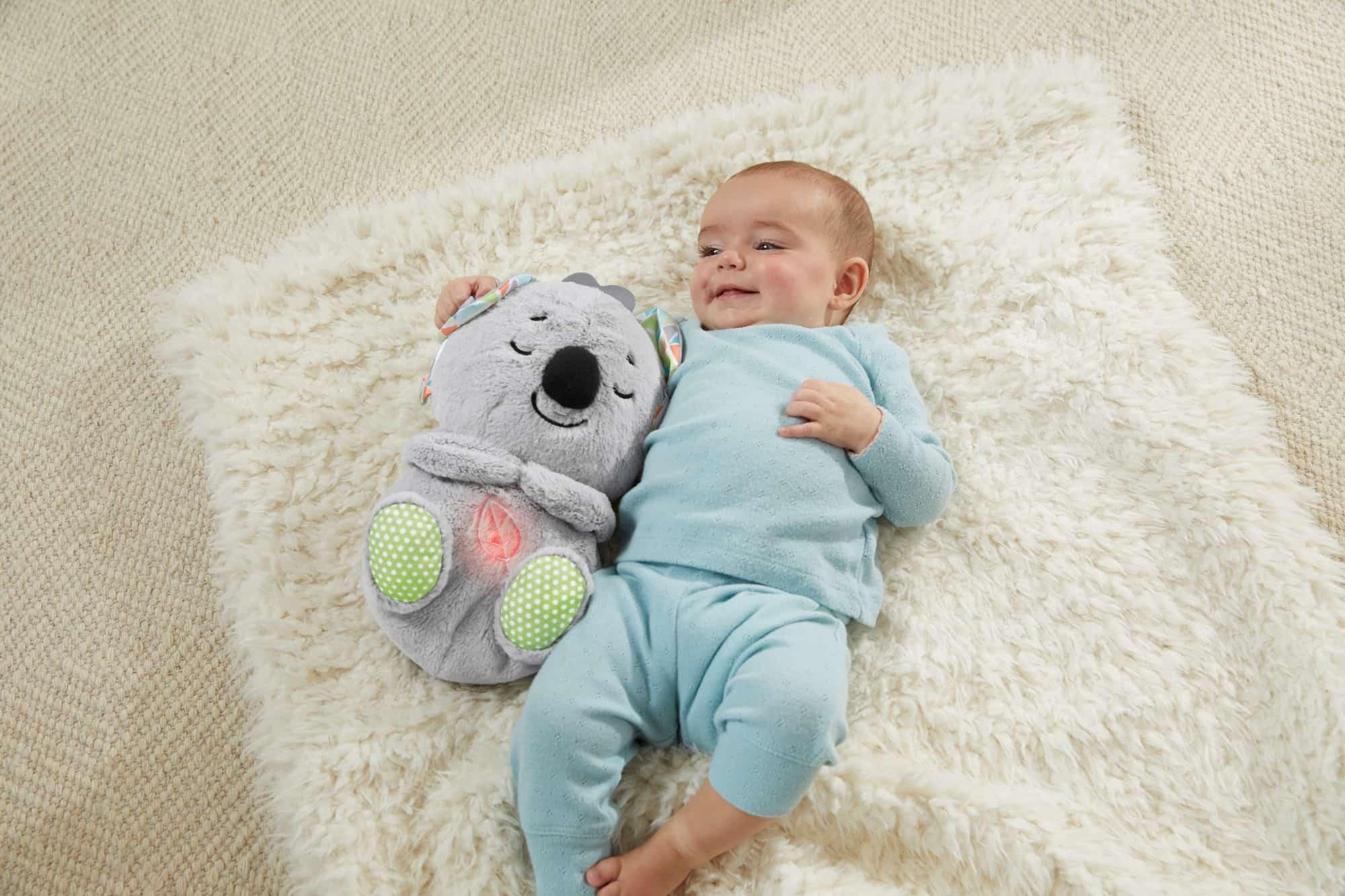Der Schlummer-Koala von FisherPrice beruhigt dein Baby – die beste Voraussetzung fürs Einschlafen.