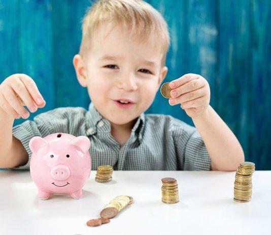 Jungs können sich freuen: Sie bekommen durchschnittlich mehr Taschengeld als Mädchen.