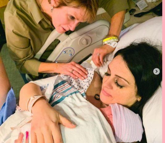 Ihre Mama stand Sarah Shellenberger bei der Geburt bei.