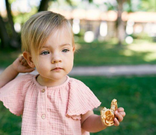 Für dein Baby sollten die Pfannkuchen ohne Ei, Zucker und Milch zubereitet werden.