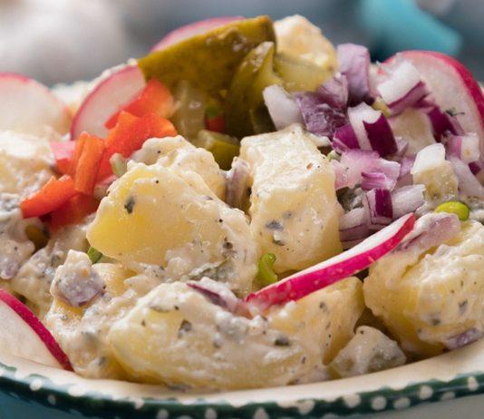 Kartoffelsalat in der Schwangerschaft: Am besten selbstgemachten essen!