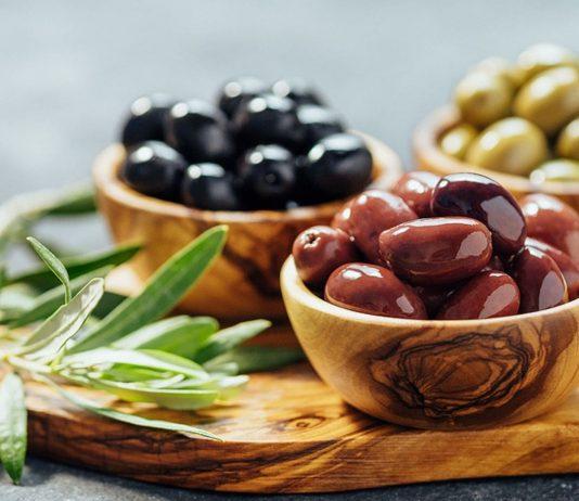 Oliven sind auch in der Schwangerschaft erlaubt, sofern sie abgepackt und wärmebehandelt sind.