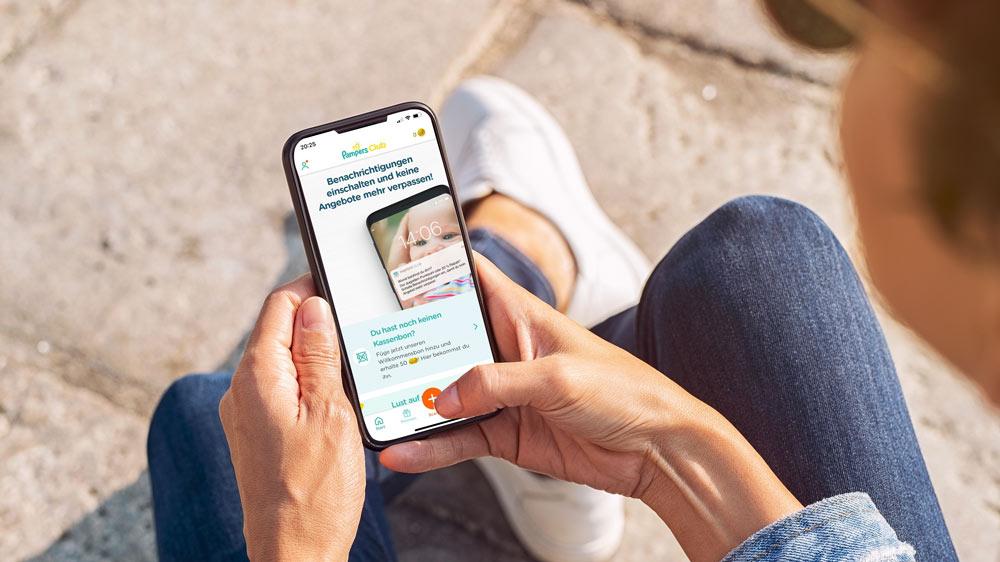 Durch regelmäßige Rabattcodes sparst du mit der Pampers App viel Geld.