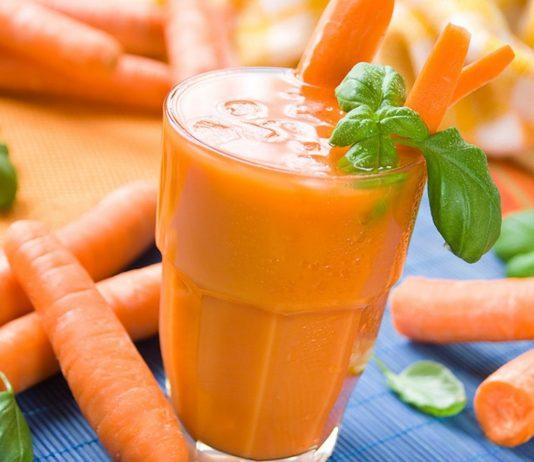 Ab dem fünften Monat ist Karottensaft für dein Baby geeignet..