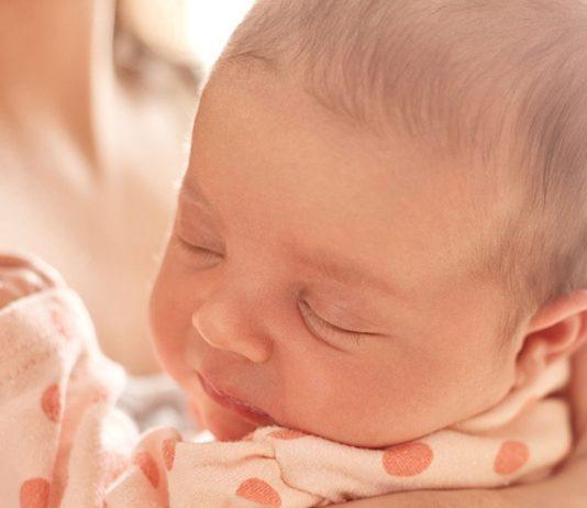 Checkliste Wochenbett: Wer gut vorsorgt, kann die erste Zeit nach der Geburt sorglos genießen.