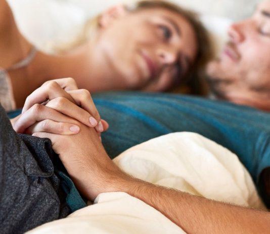 Bei einem Kinderwunsch ist die Einnahme von Folsäure extrem wichtig - auch für den Mann.