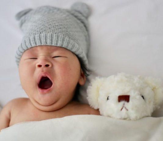 Die Zeitumstellung ist für Babys verwirrend, so kommt ihr trotzdem gut in die Winterzeit!